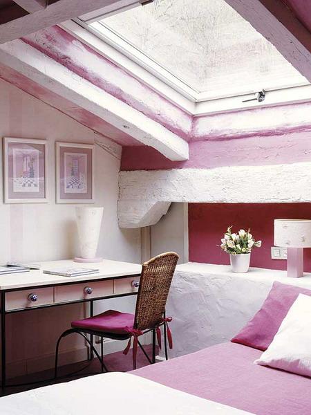dormitor-mansarda-fete