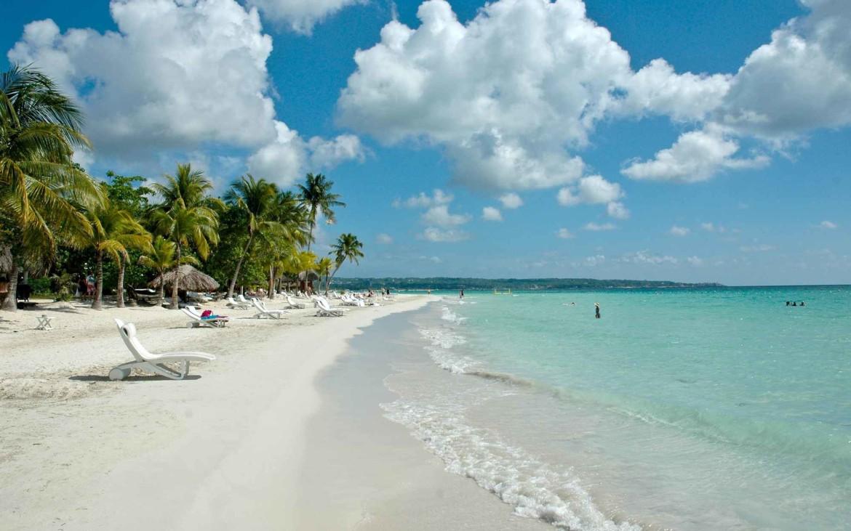 Plaja 7 Mile Beach