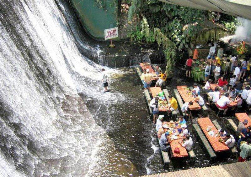 cele-mai-spectaculoase-restaurante-10