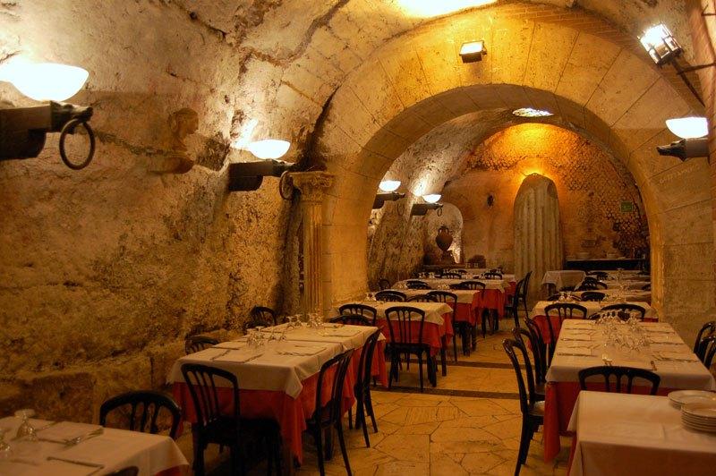 cele-mai-spectaculoase-restaurante-16