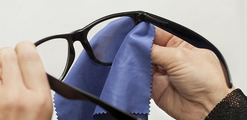 Cum sa ai grija corect de ochelarii de vedere