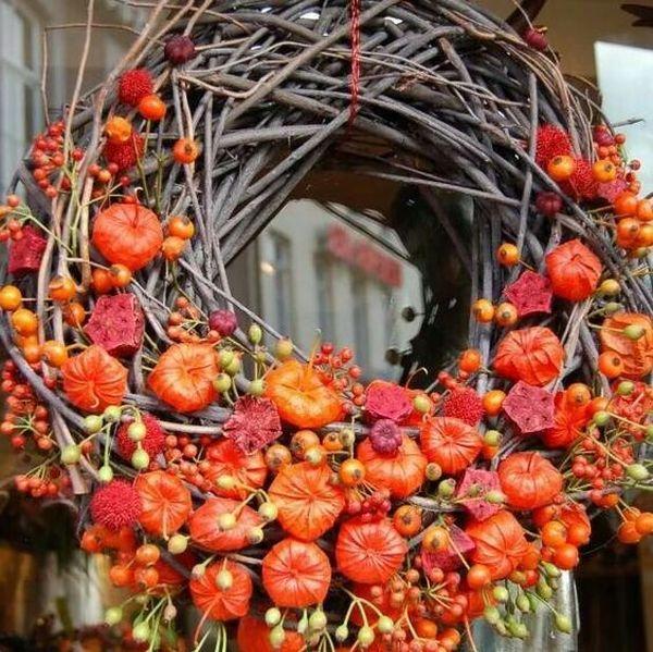 decoratiuni sub forma de coronite